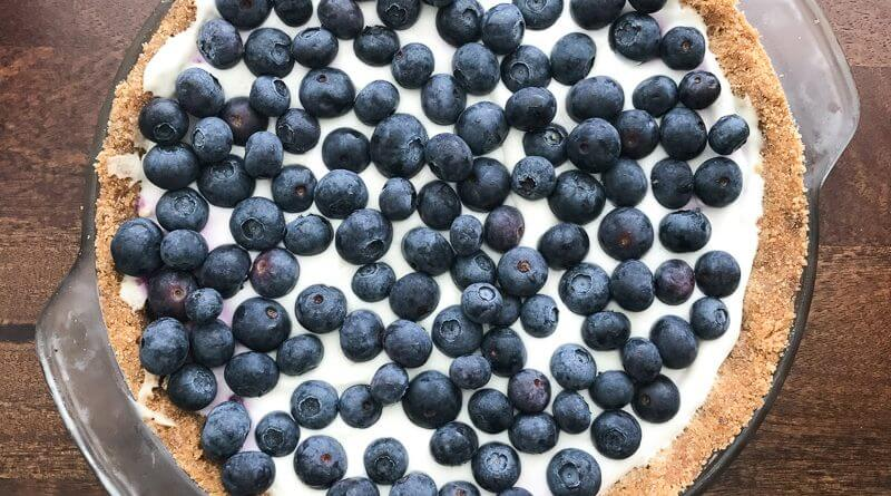 no bake blueberry cream pie with greek yogurt