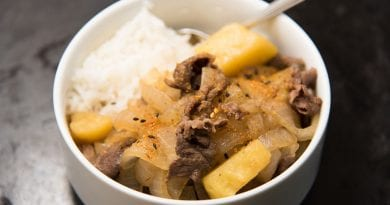 Nikujaga (Japanese meat and potato stew)