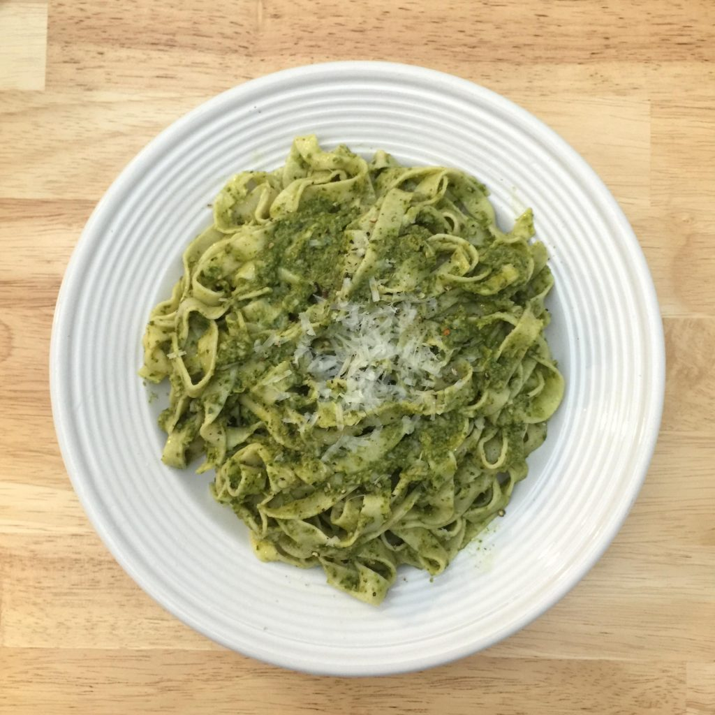 arugula walnut pesto | alldayieat.com