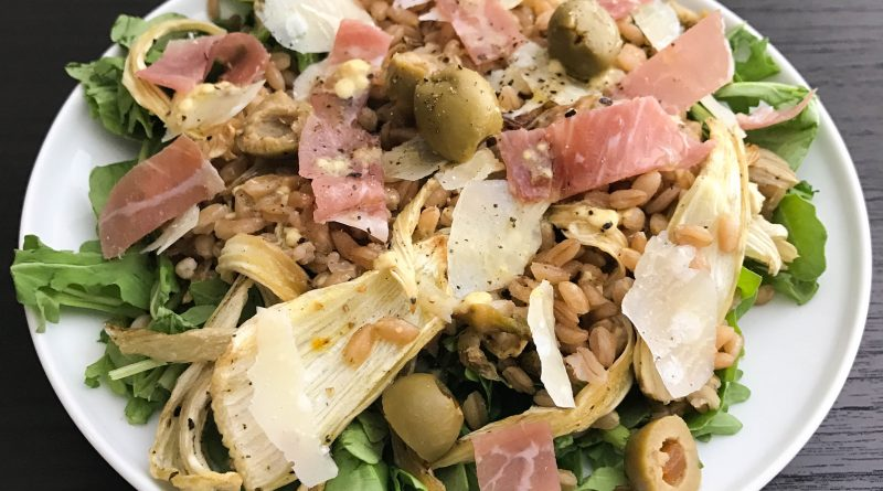 Warm Farro Salad with Arugula, Fennel, Olives, and Prosciutto | www.alldayieat.com