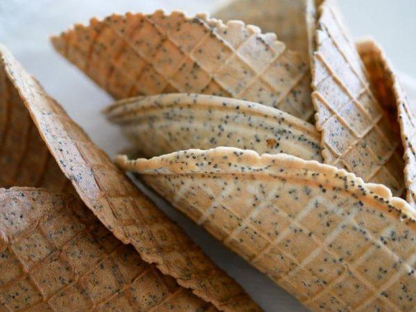 lemon poppy seed waffle cones-3
