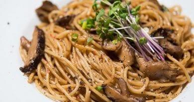 Kinoko pasta | Japanese style pasta with shiitake, shimeji and maitake mushrooms