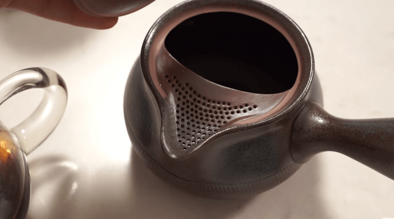 Japanese Teapot with strainer