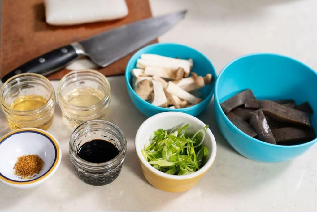 Konnyaku with King mushroom and sweet savory soy sauce ingredients