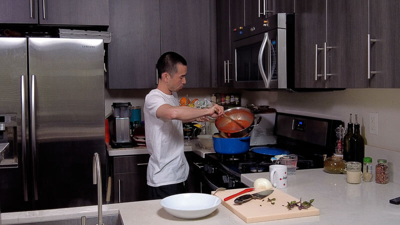 tomato pasta recipe - japanese style (with shiokoji)-cooking