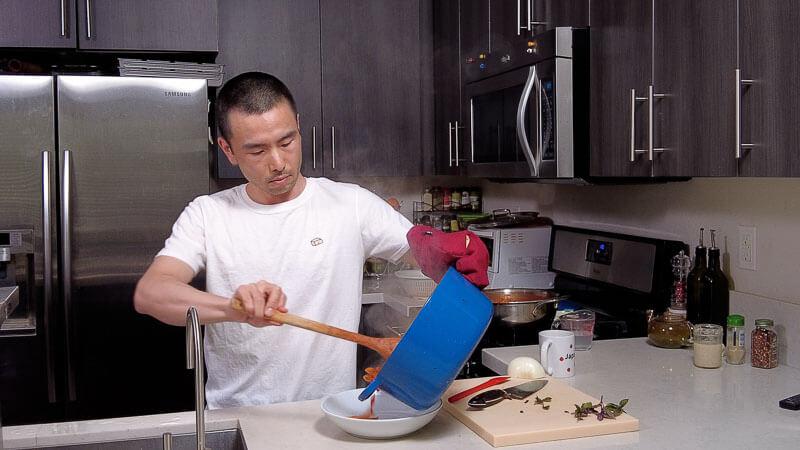 tomato pasta recipe - japanese style (with shiokoji) serving pasta